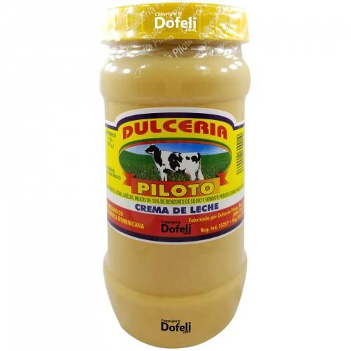 dominican-piloto-milk-cream-dessert-candy-sweet-creamy-mao-valverde